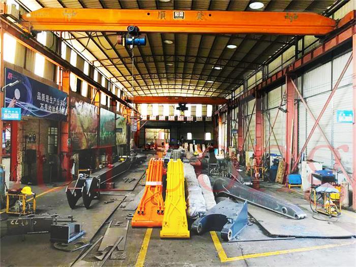Excavator Attachments Factory tour-Workshop4