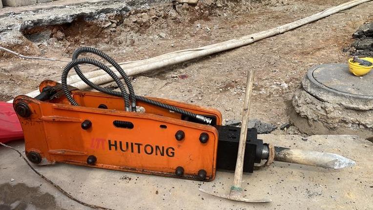 Common problems of excavator hydraulic rock hammer