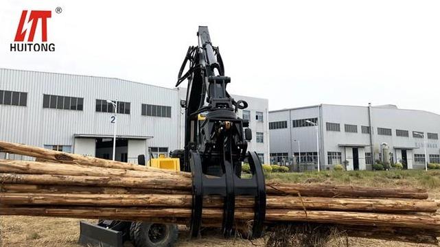 Excavator rotary grapple installation trial and usage scenarios