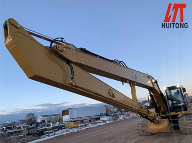 This excavator supper long front boom is really easy to use